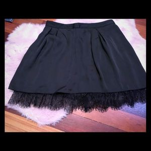 Gap pleated skirt with lace trim